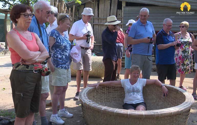 tour làng nghề phú yên 1 ngày - làng nghề thúng chai phú mỹ