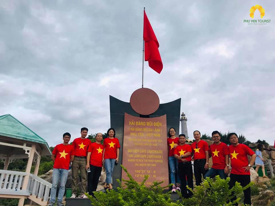 tour hải đăng mũi điện