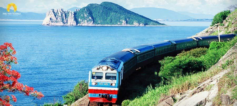 Xe lửa qua Phú Yên - Hòn Nưa